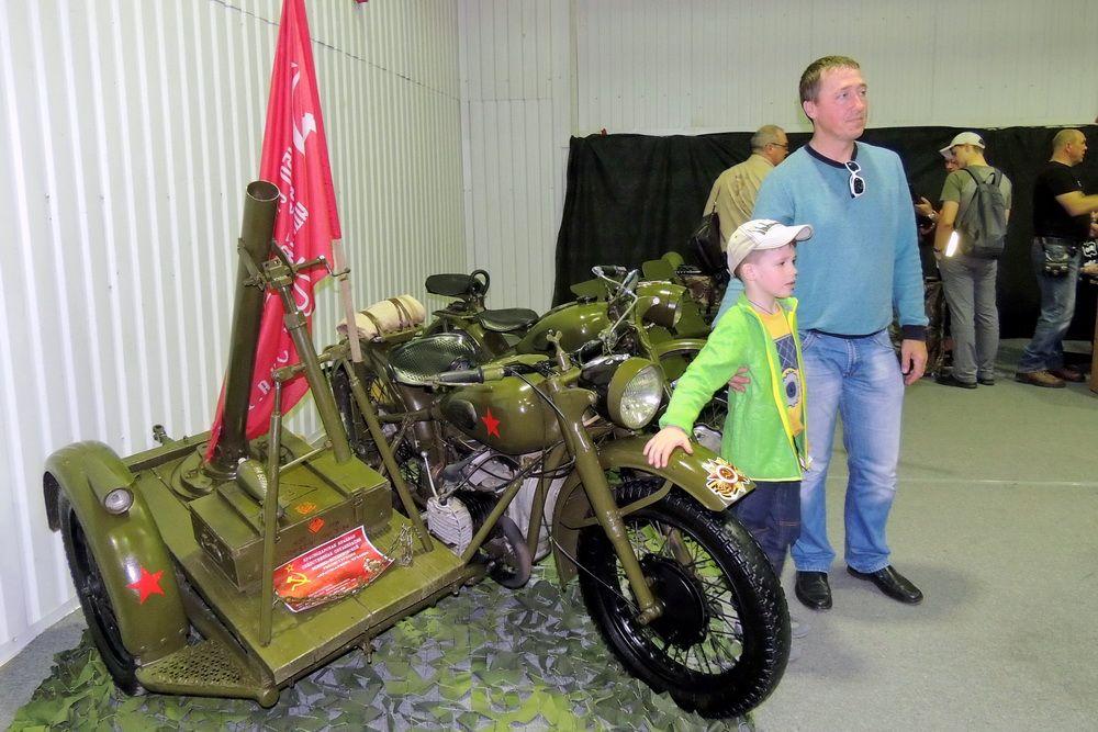 На выставке были представлены даже мотоциклы времен войны.