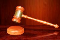 В Кировском районном суде выбрали меру пресечения для директора управляющией компании.