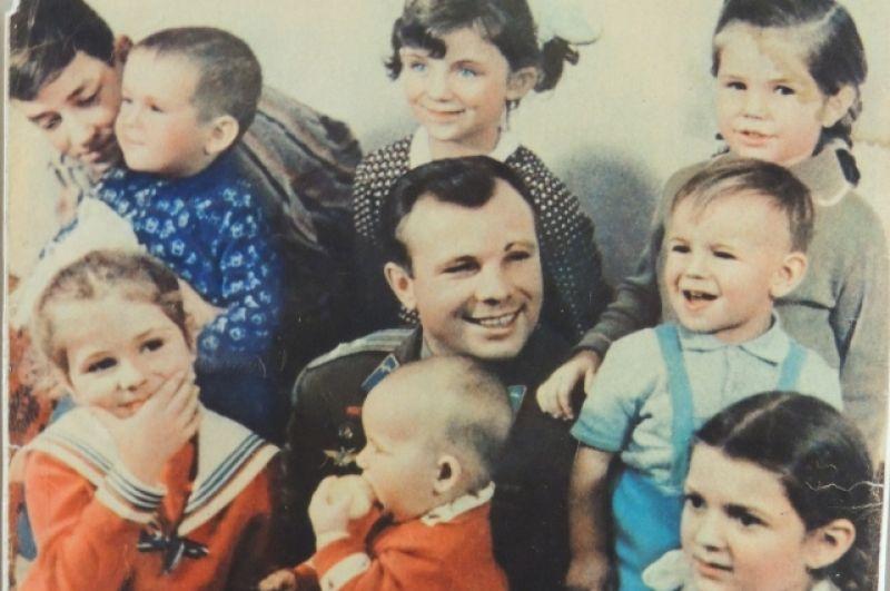 Редкий кадр с Гагариным.