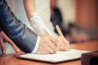 В Киеве увеличилось количество брачных контрактов: кому выгодны договоры