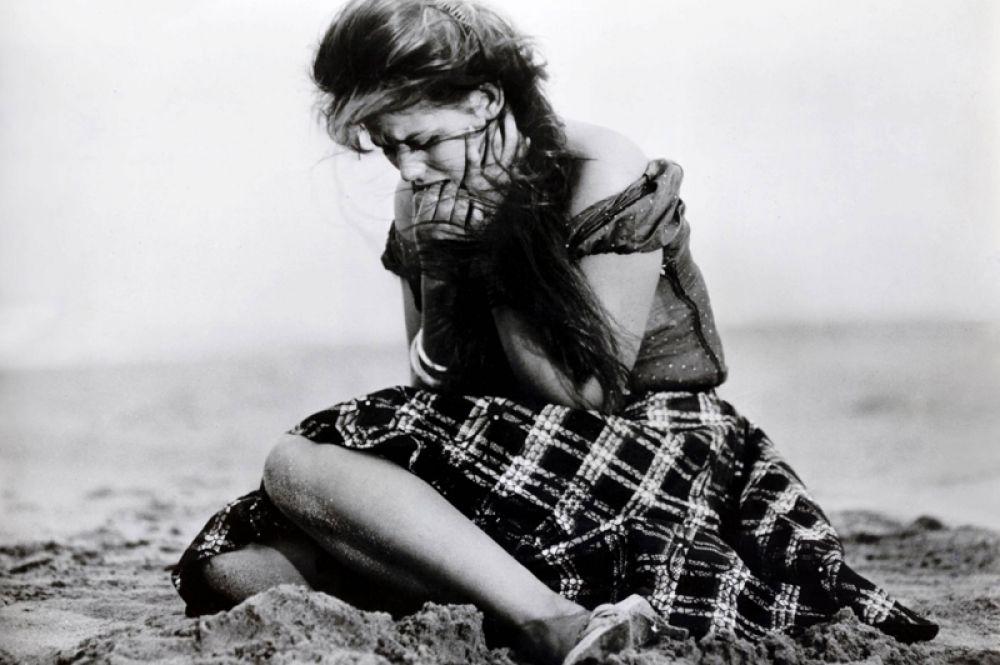 «Девушка с чемоданом» (1961) — певица Аида Дзеппони. Лента участвовала в конкурсной программе Каннского кинофестиваля, а Клаудия Кардинале за свою актёрскую работу была удостоена специальной премии «Давид ди Донателло».