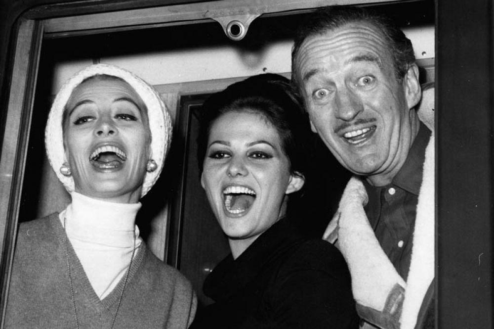 «Розовая пантера» (1963) — принцесса Дала. Фильм был номинирован на премию «Оскар» за прославившуюся на весь мир музыку Генри Манчини.
