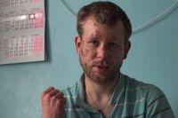 Депутат завел раба: под Мариуполем чиновник избил и связал цепью работника