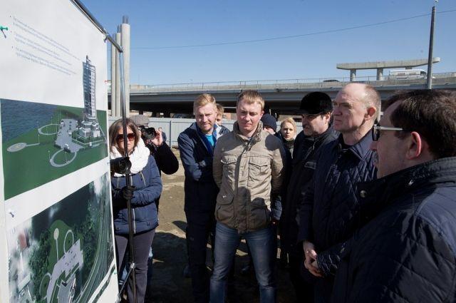На прошлой неделе губернатор Борис Дубровский осмотрел площадку под строительство конгресс-холла.