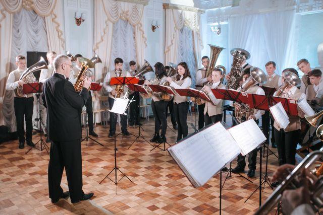 Юношеский симфонический оркестр - это не шутки.