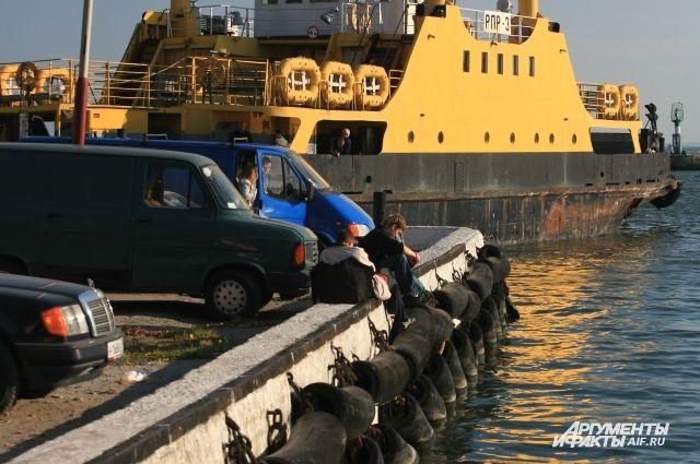В Балтийске утонул скатившийся с набережной автомобиль.