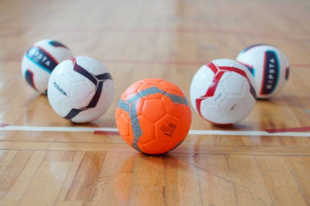 В соревнованиях приняли участие 8 команд со всей России.
