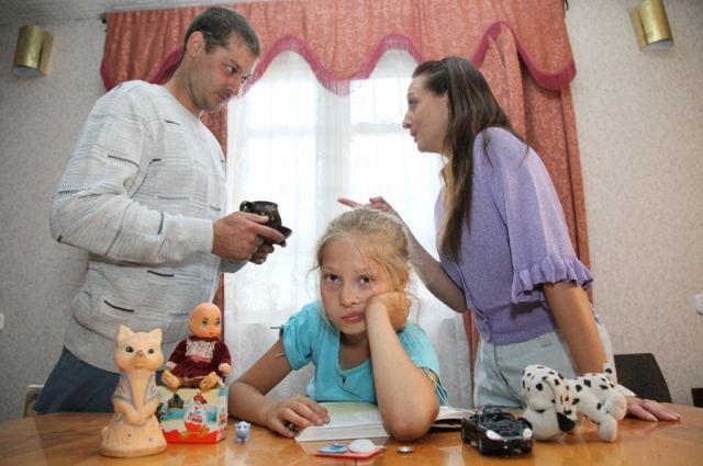 Мамам и папам следует помнить: ребёнок переносит модель их взаимоотношений в свою будущую семейную жизнь.