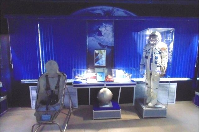 В космос – в скафандре, на Землю – в амортизационном кресле.