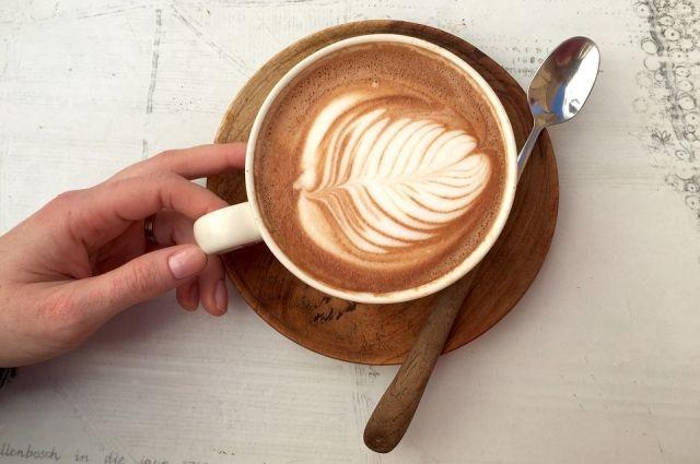 Диетологи считают, что регулярное употребление кофе с молоком может привести к серьезным заболеваниям.