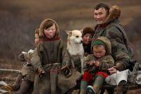 Численность коренного населения Ямала составляет более 42 тысяч человек, это – 8% всего населения автономного округа и без малого 20% – от общего числа коренных малочисленных народов Севера России.