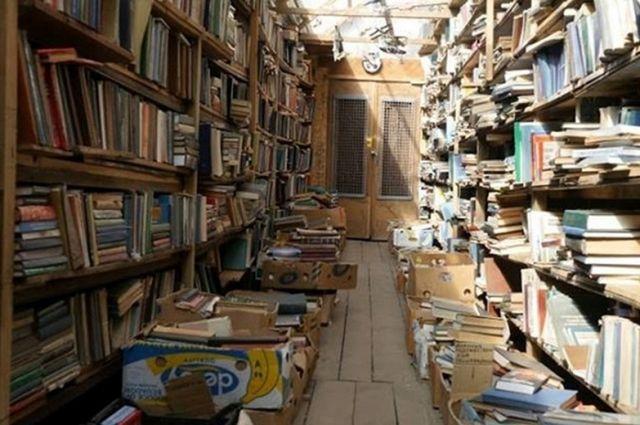 В Киеве на книжном рынке «Петровка» начали штрафовать за российские книги