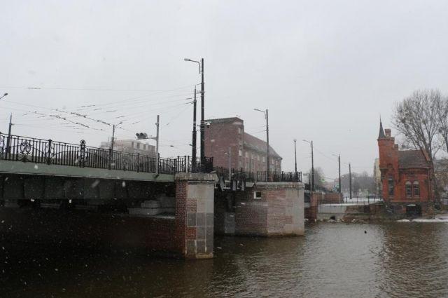 В Калининграде разведут мосты «Высокий» и «Юбилейный».