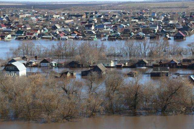 Вид на село Пригородное, пострадавшее от паводка.