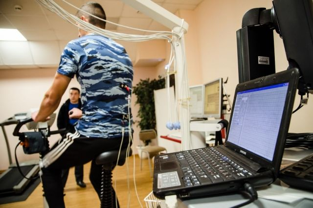 Ученые изЧелябинска получили патент нафутболку, которая способна снимать кардиограмму