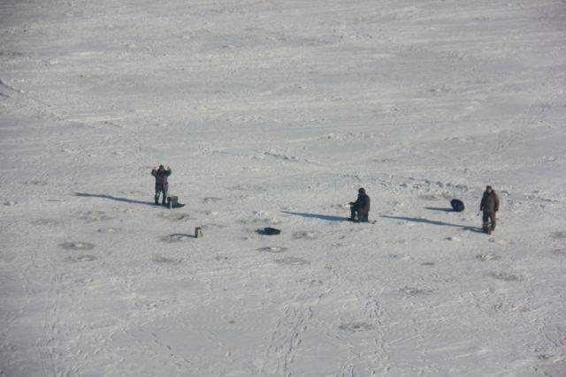 МЧС просит нижегородцев не выходить на тающий лед.