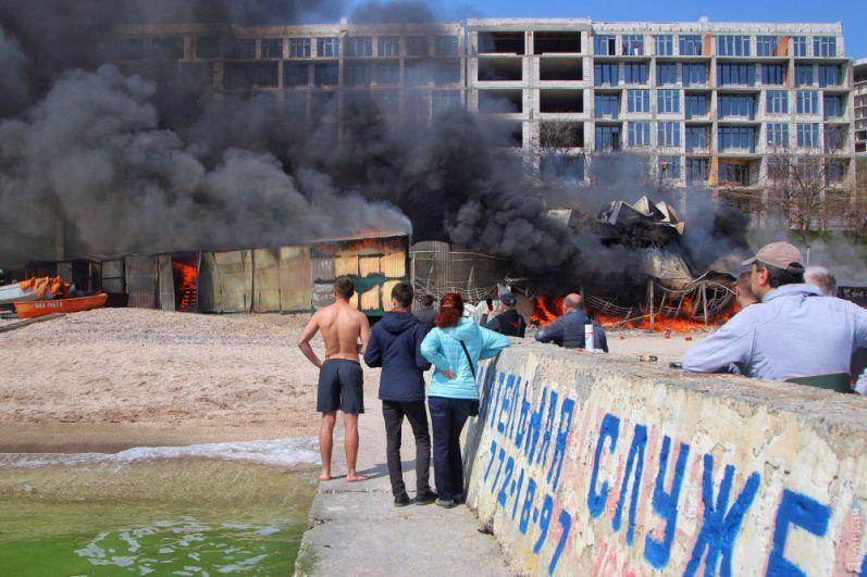 По данным патрульной полиции, возгорание началось около 11:00