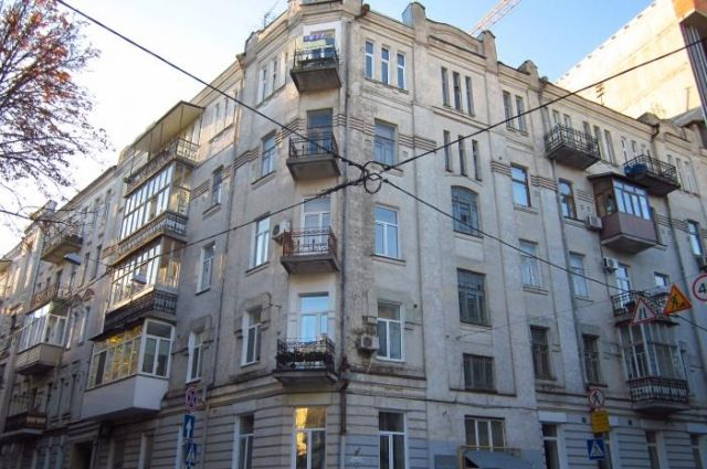 Центр Киева остался без воды из-за неудачного «ремонта» канализации