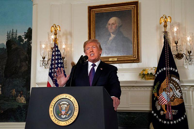 Президент США Дональд Трамп объявляет о начале военной операции против Сирии.