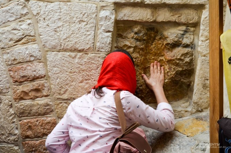 По крестному пути Христа в Иерусалиме.