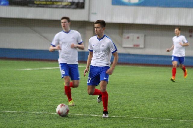 Омские футболисты не смогли поразить ворота соперников.