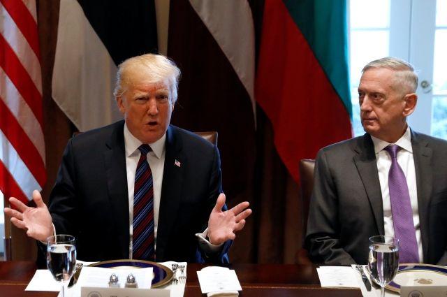 СМИ узнали ожелании Трампа ударить по русским  объектам вСирии