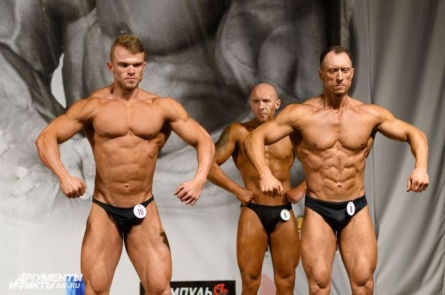 В Оренбурге состоялся Открытый чемпионат по бодибилдингу и фитнес-бикини.