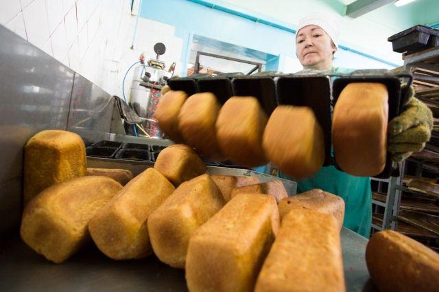 Во время проверок специалисты обнаружили нарушения санитарного законодательства на предприятиях, производящих хлебобулочную и кондитерскую продукцию.