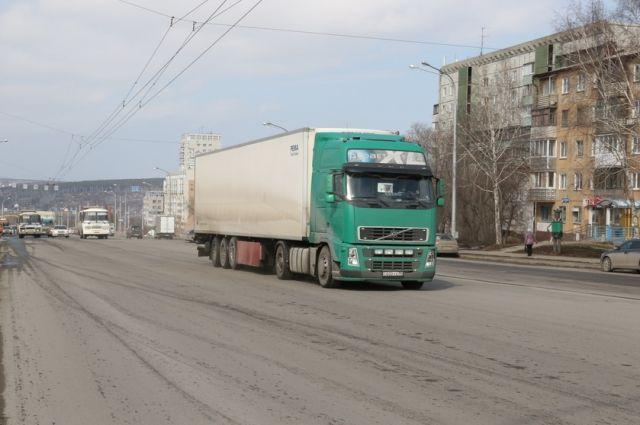С 16 апреля в Кемерове ограничат движение для большегрузов.