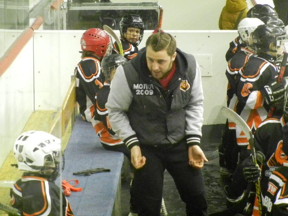 "Эмоции тренера ""Молот-2009"" Артура Зайцева."