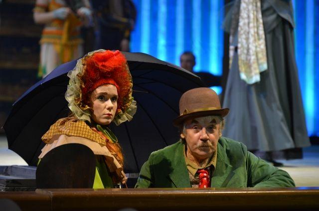 Валерий Алексеев исполнил в спектакле главную роль.