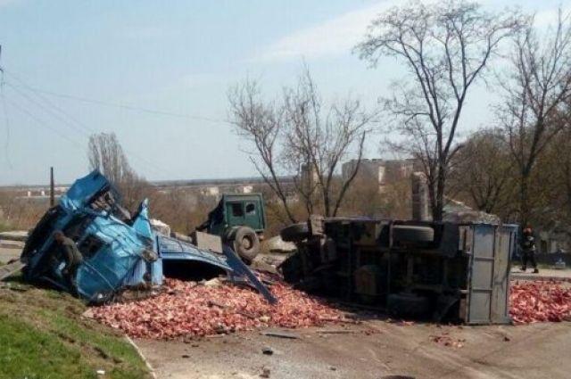 Серьезное ДТП на Донбассе с участием грузовика и маршрутки: 10 раненых