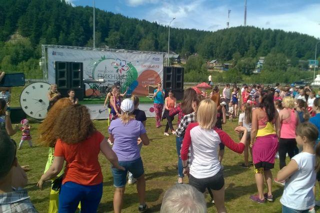 Самое массовое летнее мероприятие в Ханты-Мансийске - городской Пикник - создали на грант нефтяной компании.