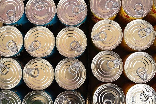 Консервная банка должна быть целой - повреждения упаковки сказываются на качестве продукта.