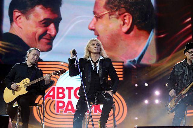 Александр Иванов исполнил песню «Мой друг» в память о первом президенте станции А. Варине.