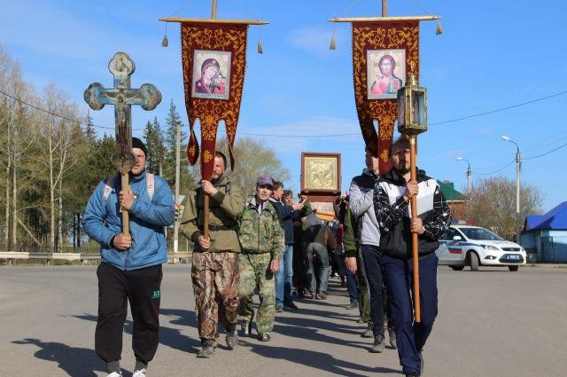 С иконами, крестами и хоругвями верующие пройдут по городам и весям Прикамья.