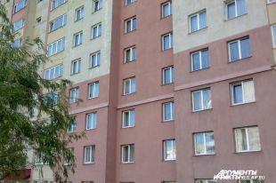 В Нижнем Новгороде выпал из окна на 9-м этаже и разбился маленький мальчик.