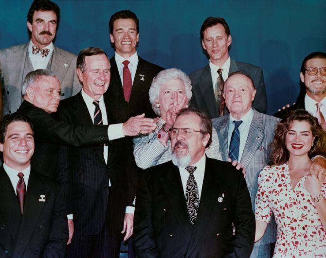Барбара Буш во время фотосессии со знаменитостями на вечеринке в Лос-Анджелесе.