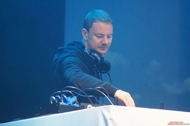 DJ Smash обещает довести дело до суда.