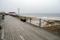 На городском пляже в Балтийске появятся шезлонги, кабинки и биотуалеты.