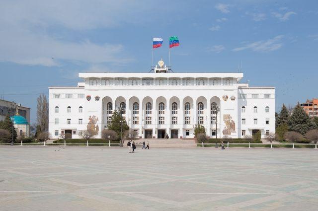 Премьер Дагестана сократил 2-х заместителей министра индустрии