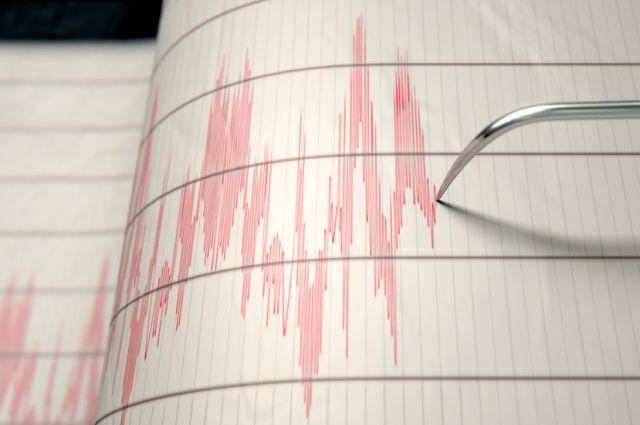 Два человека погибли, десятки раненых— Землетрясение вИндонезии