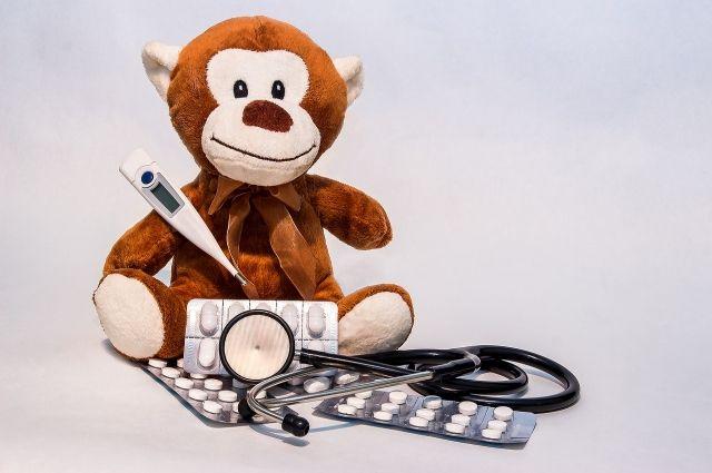 Льготные лекарства могут получать дети из многодетных семей до 6 лет, дети-сироты и дети, оставшиеся без попечения родителей до 18 лет.