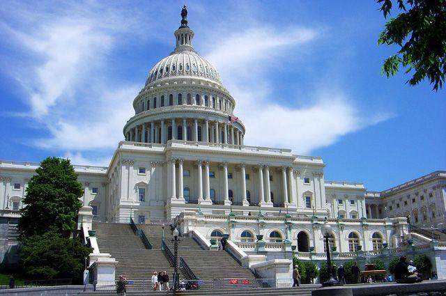 Съезд США позволил членам верхней палаты приносить детей на совещания