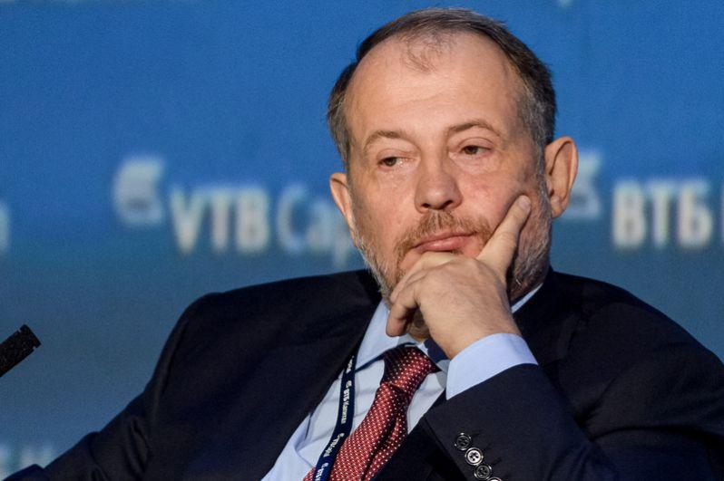 Владелец Новолипецкого металлургического комбината Владимир Лисин возглавил список богатейших российских бизнесменов. По оценкам журнала, его состояние за год увеличилось на 3 млрд и составило 19,1 млрд долларов.