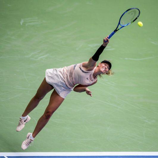 Мария Шарапова выступает на Открытом чемпионате США по теннису. 2017 год.
