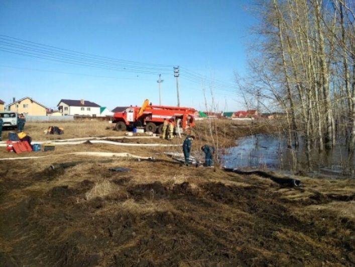 В селе Зубово река Берсувань вышла из берегов.