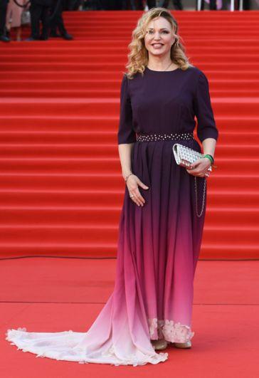 Радио- и телеведущая, актриса Алла Довлатова.