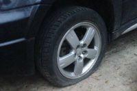 В Киеве неизвестный «из АТО» портит машины и шантажирует водителей