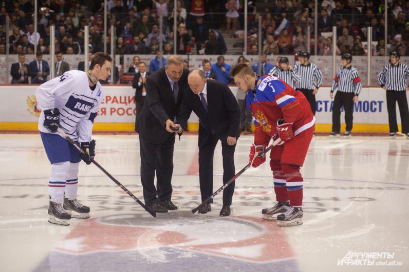 В символическом первом вбрасывании принял участие губернатор Челябинской области Борис Дубровский